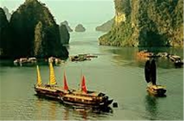 Halong Escape on Ginger Junk